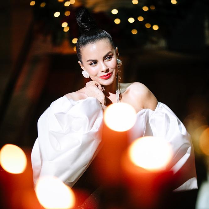 «Xmas with NK»: Настя Каменских приглашает встретить Рождество вместе
